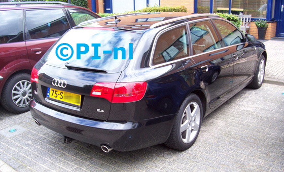 Audi A6 Avant 2.4 Proline Business uit 2006. De display (set A 2011) werd in de asbak geplaatst.