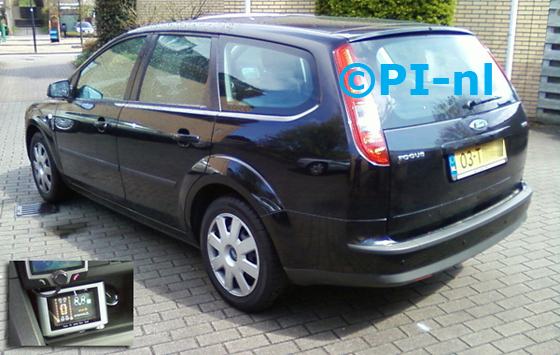 Ford Focus Wagon 1.6 Trend TDCI uit 2007. De display van set B werd in de middenconsole gemonteerd.