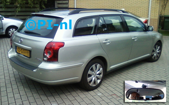 Toyota Avensis Wagon uit 2008. De display (set C) is het 'spiegelmodel'.